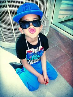 My bubba will be dressin like this If you a rapper or singer CLICK HERE and check out my BEATS!