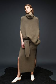 http://www.style.com/slideshows/fashion-shows/pre-fall-2015/joseph/collection/28