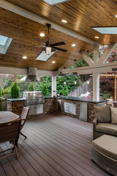 Transitional Deck designed by Urban Oasis Design & Construction LLC Outdoor Living Rooms, Outside Living, Outdoor Spaces, Outdoor Decor, Living Spaces, Outdoor Kitchen Patio, Outdoor Kitchen Design, Covered Outdoor Kitchens, Design Jardin