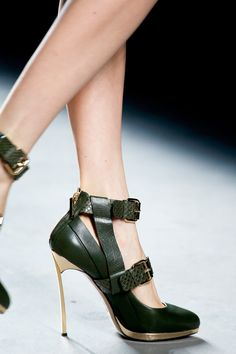 b653f2da86 Prabal Gurung Fall 2013. Cute Shoes
