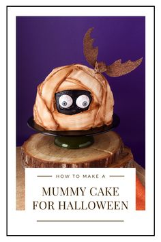 Do you need Halloween treat ideas? This Halloween dessert is perfect for a Halloween party treat. Kids and adults alike will love this Spooky Halloween Mummy Cake! Whether you are going to a Halloween party or just baking for Halloween at home, this Spooky Mummy Cake is the perfect Halloween dessert! #thebearfootbaker #halloween #halloweendesserts #halloweenfood #halloweenpartyfood #halloweenbaking #halloweentreatideas Scary Halloween Cakes, Bolo Halloween, Halloween Goodies, Halloween Desserts, Halloween Cupcakes, Halloween Food For Party, Halloween Treats, Pumpkin Patch Cake, Sweets Images