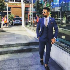Rate this suit out of 10 in the comments below! Strong fashion for a Friday  We give it a solid 9/10! Photo: @gentlemansclassroom  _________________________ #ootd #outfit #outfitoftheday #menswear #mensstyle #mensfashion  #italianstyle  #instastyle #mensfashionreview #alexandercaineuk #ootdmen #rayyounis #whatiwore #gq #dapper #fashion #streetwear  #ootn  #fashionstyle #gentleman  #whatiworetoday  #mensfashionpost #dapperlydone #menwithclass #guyswithstyle #fashionformen #dapperman…