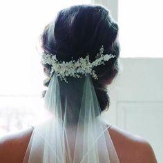 Bridal Hair Jewels 2018 - BRIDE HAIR PIN, BRIDE VEIL, BRIDE HEAD BAND, BRIDE HAIR ACCESSORY, BRIDE TIARA, BRIDE HAIR DOWN, BRIDE HAIR OUT, BOHO BRIDE, RELAXED BRIDAL HAIR, ELEGANT BRIDE HAIR, BRIDAL UPDO, BRIDE HAIR