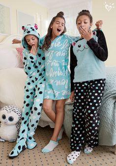 Cute, Comfy & Fun Sleepwear & Pajamas For Tween Girls Pyjamas, Onesie Pajamas, Fleece Pajamas, Cute Pjs, Cute Pajamas, Girls Pajamas, Cute Girl Outfits, Kids Outfits, Look Fashion