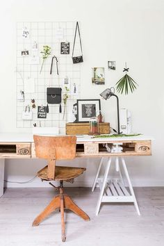 Modern and cool home office designs. This is the best home office designs ever.Modern and cool home office designs. This is the best home office designs ever. Home Office Space, Home Office Design, Home Office Decor, Home Decor, Office Designs, Office Spaces, Workspace Design, Office Workspace, Pallet Furniture