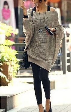 Oversized sweaters + leggings.
