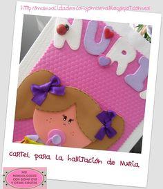 http://manualidadescongomaeva.blogspot.com.es/2013/04/cartel-placa-para-la-habitacion-de-nuria.html