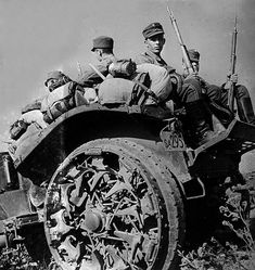 World War II. Russian front. Finnish soldiers on a off-road trailer near Leningrad. August 1941. LAPI - pin by Paolo Marzioli
