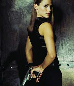 one of my all time favorite shows, Sydney Bristow (AKA Jennifer Garner) was awesome. For me she is the best female action hero of all time or at least on TV. Jennifer Garner Alias, Jen Garner, Best Tv Shows, Favorite Tv Shows, Lena Olin, Michael Vartan, Sydney Bristow, Covert Affairs, Arizona Robbins