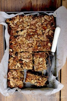 Muesli Power Bars - Watch The Video - The Healthy Chef - Teresa Cutter Healthy Chef, Healthy Treats, Healthy Baking, Museli Bar Recipe, Homemade Muesli Bars, Muesli Slice, Snack Recipes, Healthy Recipes, Healthy Muesli Bar Recipe