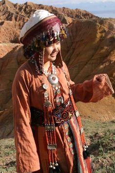 """Kaiberen"" ethno garments collection. Idea: Shamil Japarov. Costume designer: Aida Maitasheva. Technologist-constructor: Chynara Stamkulova. Performance: Textile workshop of Tumar Art Group. Photo: Erkin Boljurov. Inspired by findings of K.I. Antipina's ethnographic research."