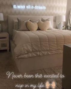 15 Cute Bedroom Ideas for Girls - Cool Bedroom Design Cute Bedroom Ideas, Room Ideas Bedroom, Home Decor Bedroom, Neon Sign Bedroom, Bedroom Girls, Dream Rooms, Dream Bedroom, Master Bedroom, Jugendschlafzimmer Designs