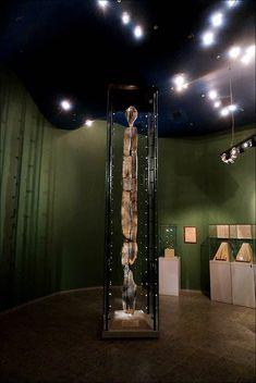 71aeeb249d53 Зъби от бобър са използвани за гравирането на най-старата дървена скулптура  в света -