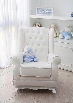 Adorable sillón mecedora con capitonne en eco-cuera #RegalosDeNacimiento