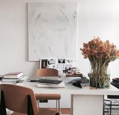 Home Office – Home Decor Designs Office Interior Design, Office Interiors, Interior And Exterior, Interior Styling, Interior Architecture, Workspace Inspiration, Interior Inspiration, Fashion Inspiration, Warm Color Schemes