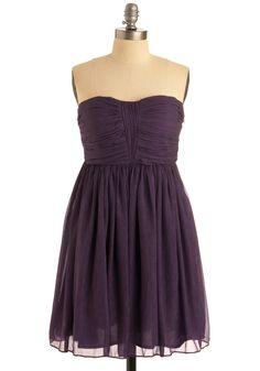 Shop Women's Dresses on Lyst. Track over 4258 Dresses items for stock and sale updates. Find the best selection online across all the best stores. Retro Vintage Dresses, Vintage Outfits, Homecoming Dresses, Bridesmaid Dresses, Bridesmaid Color, Bridesmaids, Cute Dresses, Summer Dresses, Indie Outfits