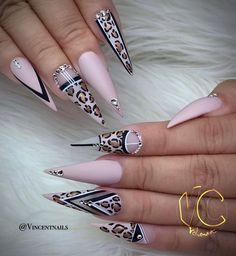 Stiletto nails are one of the shapes that many girls like. Long and pointed nails are suitable for anyone with bold ideas. We love this trendy look and have found some Trendy Stiletto Nail Art Designs. If you want beautiful, feminine nails, they are Best Acrylic Nails, Acrylic Nail Designs, Nail Art Designs, Creative Nail Designs, Fabulous Nails, Gorgeous Nails, Pretty Nails, Dope Nails, Bling Nails