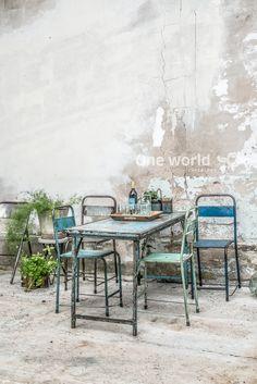 One World Interiors - Iron folding table & Java iron chairs - Picture: Paulina Arcklin