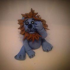 """""""#caketopper #dåpskake  #løve #lion #babyblue #birthday #babyblå #marsipan #fondant #sugerart #sugarcraft #sukkerkyss #vinnsøtesaker #bake #kake #kakepynt…"""""""