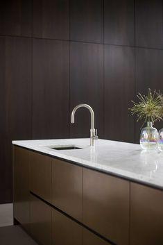 Kitchen Room Design, Kitchen Interior, Kitchen Decor, Kitchen Cabinet Organization, Kitchen Cabinets, Functional Kitchen, Home Kitchens, New Homes, Interior Design