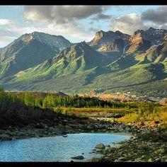 Wrangell-St. Elias National Park is not only stunning, but bigger than Switzerland.  #Alaska
