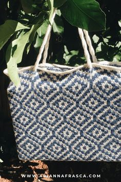 If you spend your last days of summer lounging by the pool or sunbathing on the beach, you're going to love having this tile bag by your side. It's big enough to hold your laptop, book, sunglasses, and of course, your next knitting project. This bag is created with a slip stitch technique and only one color per row. The thoughtful design features tiles in the Mosaic Knitting technique and i-cord straps braided like nautical ropes. Small Knitting Projects, Crochet Projects, Last Day Of Summer, Feature Tiles, I Cord, Nautical Rope, Knit In The Round, Slip Stitch, Leather Handle