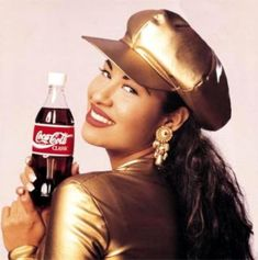 Born: April 1971 ~ Selena Quintanilla-Pérez was an American singer, songwriter, spokesperson, actress, and fashion designer. Selena Quintanilla Perez, Suzette Quintanilla, Selena And Chris, Selena Selena, Divas, Coca Cola Ad, Pepsi, Latin Artists, Latin Music
