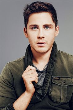 Can't cope with the hotness! [Logan Wade Lerman (born January 19, 1992) is an American actor, known for playing the title role in the fantasy-adventure Percy Jackson films.]