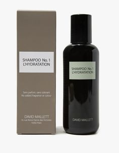 Hydrating shampoo from David Mallett. Provides optimal, dermatological cleaning. Opens hair cuticles to allow moisture to penetrate to the very core, locking it in with lasting results. Formulated with refined macadamia nut oil.   • 8.45 fl. oz. • Frag