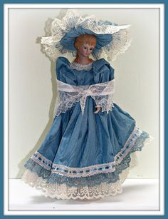 Linda Walsh Originals Dolls and Crafts Blog: Laura, Lady In Waiting! and Sweet Dreamy Dana, Victorian In Her Soul! - Victorian Candlestick Dolls