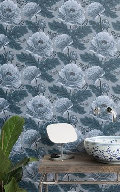 If you're looking for a heritage floral design in fresh, modern tones then this blue heritage floral wallpaper is for you. Blue Floral Wallpaper, Floral Pattern Wallpaper, Modern Color Palette, Blue Colour Palette, Vintage Stil, Vintage Floral, Motif Floral, Floral Design, Blue Wallpapers