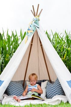 Give toddlers the perfect place for playtime and let their imaginations take over in this DIY, no-sew teepee.