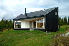 Modern House Plans by Gregory La Vardera Architect: An IBU (shipping container) based house - for real Modern House Plans, Modern House Design, Casas Containers, Cabin In The Woods, Cabin Design, Diy Design, Interior Design, Cabins And Cottages, Little Houses