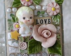 Mosaic treasures, using many of my handmade ceramics :) by Lisabetzmosaicart Mosaic Wall Art, Mosaic Diy, Mosaic Garden, Mosaic Tiles, Mosaic Projects, Kintsugi, Mosaic Designs, Ceramic Flowers, Metal Crafts