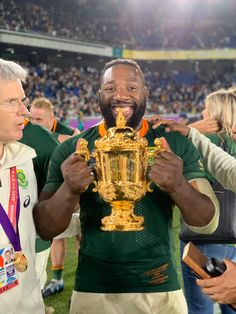 """12 years of hard work finally paying off 🤯 Thank you Lord, thank you South Africa 🇿🇦❤️☺️🙏🏾 🏆"""" Team 2, Rugby World Cup, South Africa, Beast, Twitter, Photos, Pictures"""