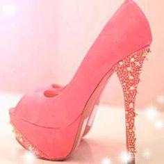 Gorgeous peach shoes