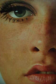 Twiggy in Seventeen Magazine, 1967.