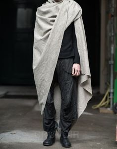 His travel cloak but forest green Outfits Casual, Mode Outfits, Fresh Outfits, High Fashion, Mens Fashion, Future Fashion, Character Outfits, Mode Style, Costume Design