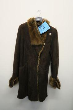 Rulams jakke m/pelskrave Str. 40 . Butikspris 9.800 kr.