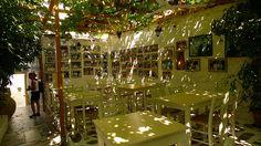 p a r o s - wonderful garden restaurant