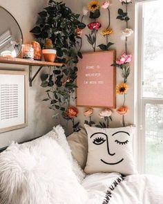 150 home remodel bedroom aesthetic bedroom 36 Cute Room Ideas, Cute Room Decor, Decoration Bedroom, Room Decor Bedroom, Bedroom Ideas, Bedroom Inspo, Cozy Bedroom, Flower Room Decor, Bedroom Storage