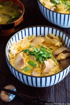 Oyakodon (Chicken & Egg Bowl) 親子丼 | Easy Japanese Recipes at JustOneCookbook.com