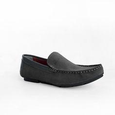Mẫu giày GEOX được shop thoitrang79. Với giá cả vô cùng rẻ cộng với đang trong thời gian khuyến mãi vô cùng hấp dẫn. Mẫu giày mới nhất hiện nay Mang vào êm chân, thuộc loại giày lười nam. GỌi 0977 888818 để đặt hàng