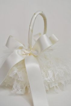 Flower girl basket change lace to champagne color