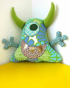 Ideas Sewing For Beginners Stuffed Animals Rag Dolls For 2019 – Monkey Stuffed Animal Fabric Toys, Fabric Crafts, Sewing Crafts, Sewing Projects, Softies, Homemade Stuffed Animals, Sock Dolls, Rag Dolls, Monster Toys