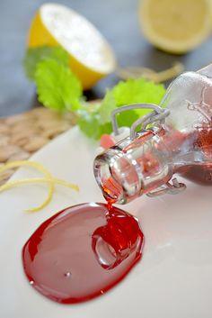 Punajuuresta on moneksi ja siitä saa aikaiseksi vaikkapa siirapin. Preserves, Pesto, A Food, Nom Nom, Panna Cotta, Ethnic Recipes, Gifts, Mat, Finland