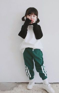 Cute babies and childs and teens Cute Asian Babies, Korean Babies, Asian Kids, Cute Babies, Little Girl Fashion, Toddler Fashion, Kids Fashion, Cute Outfits For Kids, Cute Kids