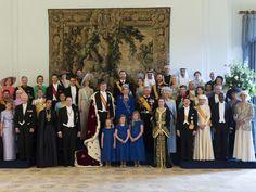 4/30/13.   Formal group photo. Koning Willem-Alexander beëdigd en ingehuldigd | nu.nl/troonswisseling | Het laatste nieuws het eerst op nu.nl