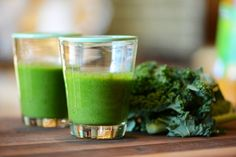 Healthy Kale Smoothie Recipe #NewYearNewYou #smoothie #green #kale #yum