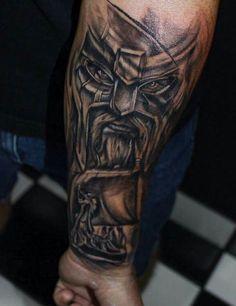 Die Viking Tattoos sehen super effektvoll aus und sind derzeit ein absolutes Hit. Klicken Sie hier und schauen Sie sich unsere Viking Tattoo Ideen aus.